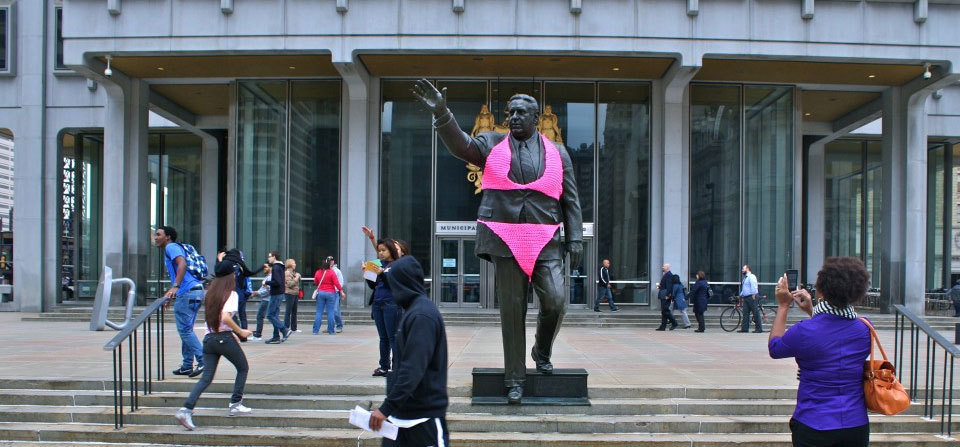 Philadelphia Mayor Frank Rizzo Gets Yarnbombed